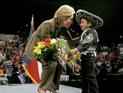 Hillary_mariachi